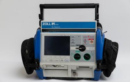 ZOLL M-Serie, bifázisos defibrillátor - 2006